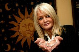 Bonnie Tyler with the bespoke Peace Mala