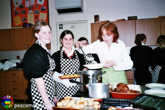 Gaynor Churchill with pupil chefs